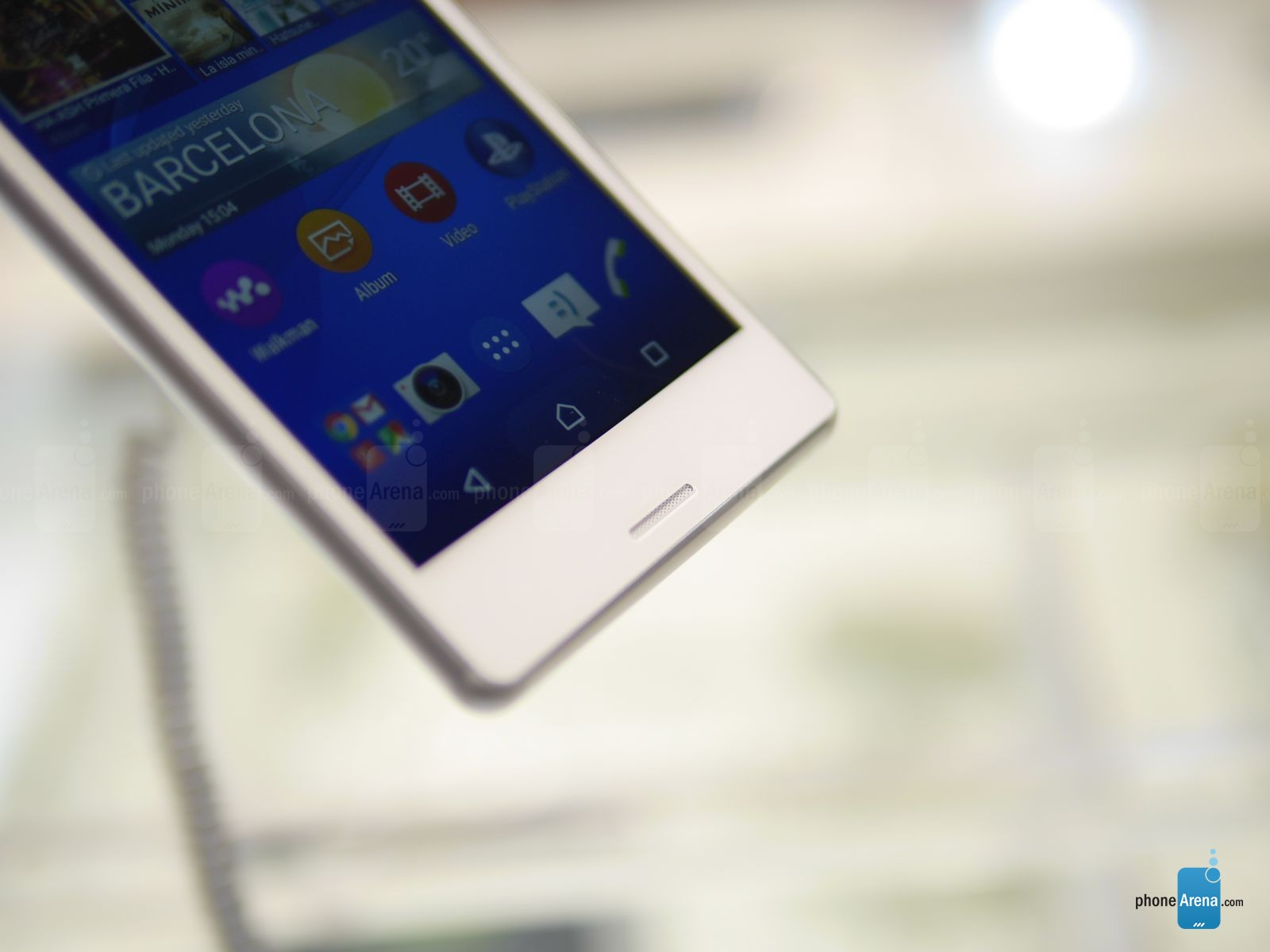 Sony-Xperia-M4-Aqua-hands-on 5