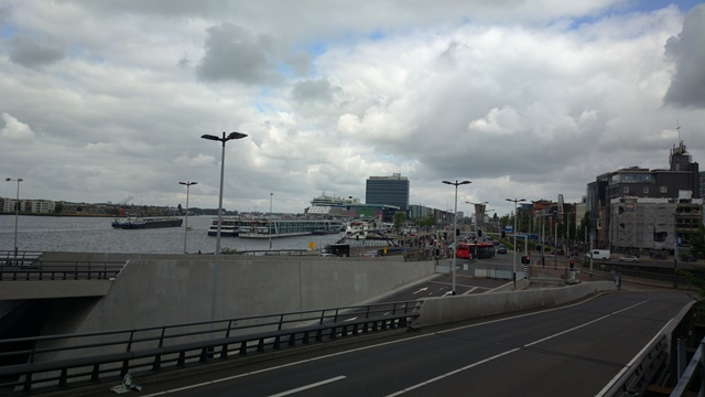Nokia 808 PureView - Amsterdam Cruise Ship 34MP ISO 64