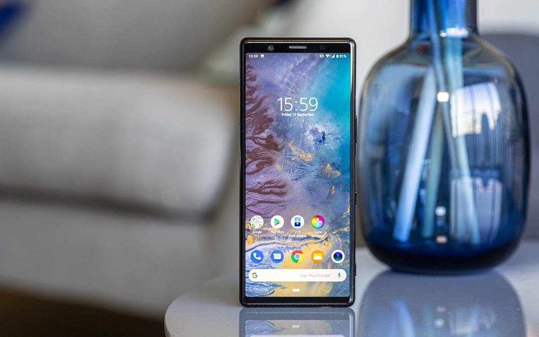 گوشی سونی اکسپریا 5 از امروز در انگلستان و به همراه هدفون یا پلی استیشن به صورت هدیه به فروش می رسد