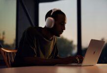 اپل از هدفون رو گوشی AirPods Max مجهز به ویژگی نویز کنسلینگ رونمایی کرد