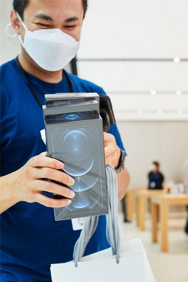 فروش پایین تر از انتظار آیفون 12 مینی اپل را ناامید کرده است